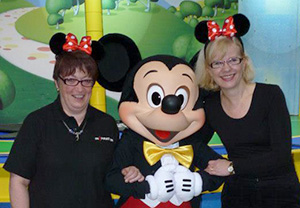 Inspiration singers with Mickey!